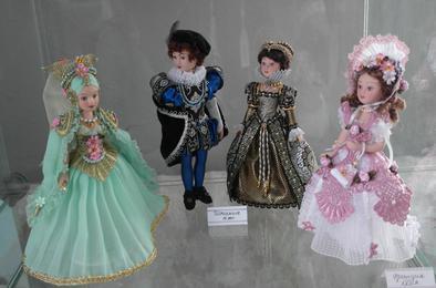 В коркинском выставочном зале две экспозиции