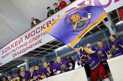 Коркинские хоккеистки одержали историческую победу