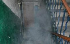 Жительница Коркино пыталась поджечь лестницу в подъезде