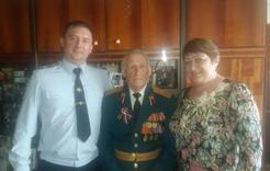 Полицейские Коркино поздравили ветеранов войны