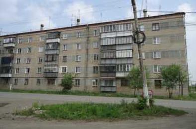 В Коркино мужчина выпрыгнул с третьего этажа
