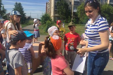 Коркинские дети своё настроение от отдыха выражают в рисунках