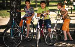 Коркинским велосипедистам и скутеристам следует помнить о правилах