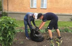В Коркино подростки трудовых отрядов зарабатывают первые деньги