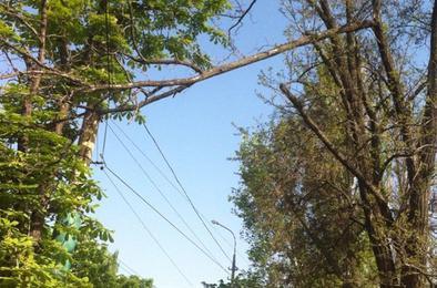 В Коркино энергетики нашли место аварии, ведётся работа по ликвидации