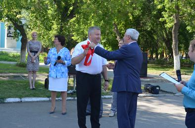 Председатель ЗСО передал администрации Коркино ключи от грейдера
