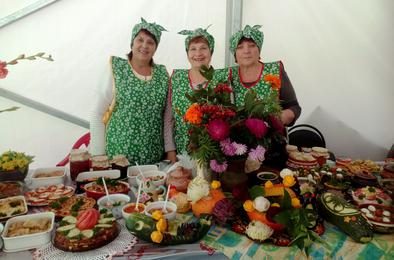 Коркинцы удивили гостей праздника кулинарными изысками