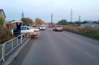 В Коркино на автодороге «Дружба» в результате ДТП снесено ограждение