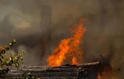 На Розе неизвестные спалили 12 хозяйственных построек