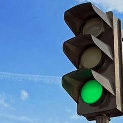 В Коркино светофор разрешает пешеходам ходить на все четыре стороны