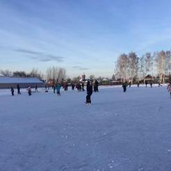 Жители Коркинского района встают на коньки и лыжи