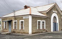 На станции Дубровка с пути сошёл тепловоз