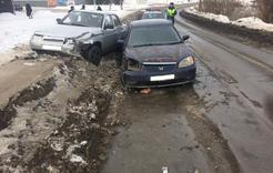 В Коркино столкнулись два автомобиля, ГИБДД просит быть внимательнее