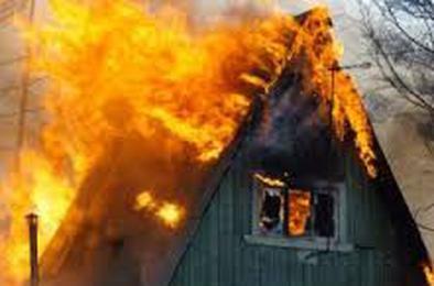 В садовом товариществе Коркино сгорел домик
