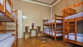 Размещение в многоквартирных домах гостиниц запретили
