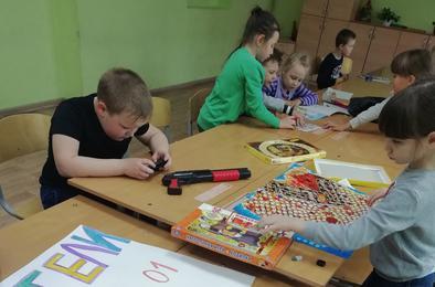 Коркинские ребята наслаждаются отдыхом в школьных лагерях