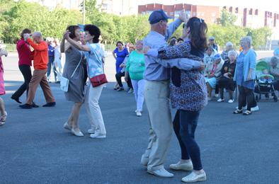В Коркино начался сезон танцев на площади