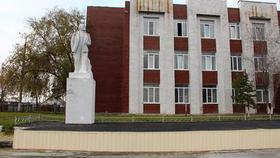 Отремонтировали памятник Ленина
