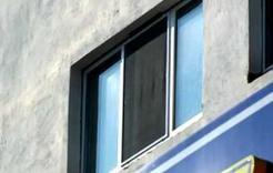 В Коркино из окна многоэтажки выпал двухлетний ребенок