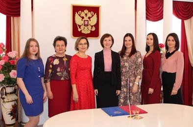 Работники ЗАГСа Коркино отмечают профессиональный праздник