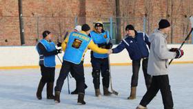 Футболисты выиграли турнир по хоккею