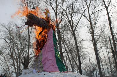 Коркинцы весело и задорно проводили зиму
