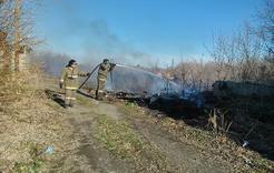 Горел камыш: коркинские пожарные шесть раз выезжали на тушение