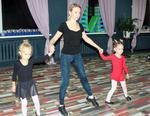 Коркинские ребятишки осваивают азы бальных танцев